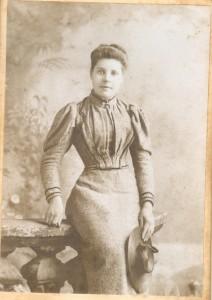 girl 19100004